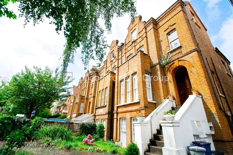 3 Bedrooms Flat for rent in Hermon Hill, Wanstead, E11