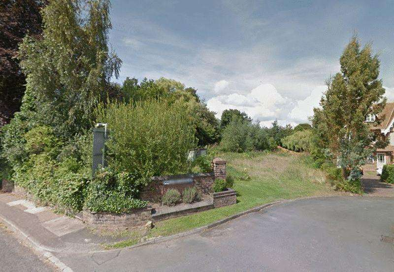 4 Bedrooms Plot Commercial for sale in Barhill Madeley