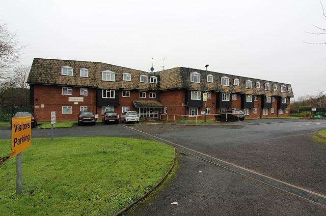 1 Bedroom Flat for sale in Brantwood Way, St Paul's Cray, Orpington, Kent, BR5 3WB