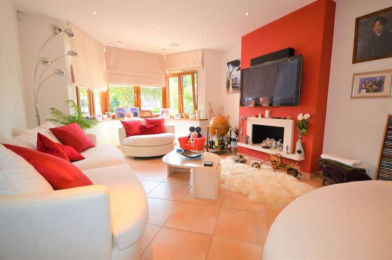 4 Bedrooms Semi Detached House for sale in College Hill Road , Harrow , Middlesex, HA3 7DA