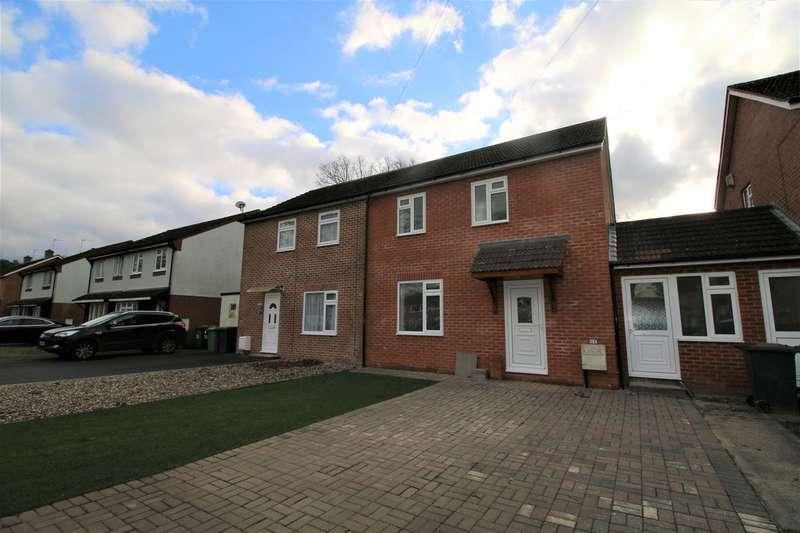 3 Bedrooms Semi Detached House for sale in Burnham Road, Tadley, RG26