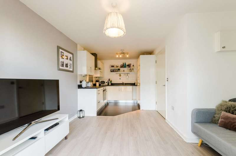 1 Bedroom Flat for sale in Vernon Road, Bow, E3