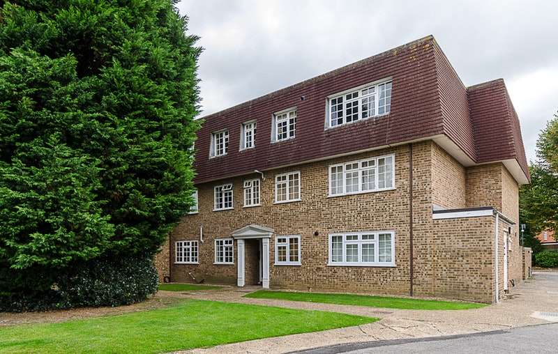 1 Bedroom Flat for sale in Mount Hermon Road, Woking, Surrey, GU22