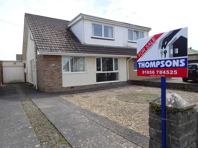 4 Bedrooms Semi Detached Bungalow for sale in LONG ACRE DRIVE, NOTTAGE, PORTHCAWL, CF36 3SB