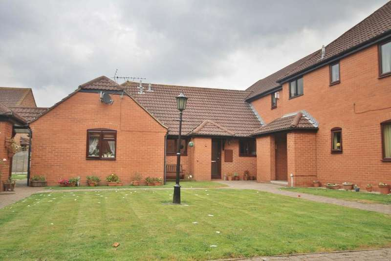 3 Bedrooms Terraced Bungalow for sale in St Charles Court, Lower Bullingham, Hereford, HR2