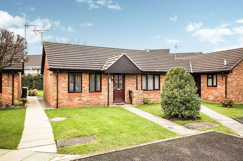 2 Bedrooms Semi Detached Bungalow for sale in Lambourne Grove, Middlewich, CW10