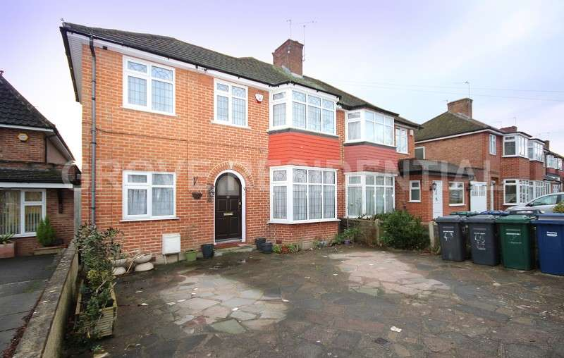 4 Bedrooms Semi Detached House for sale in Bullescroft Road, Edgware, Greater London. HA8 8RW