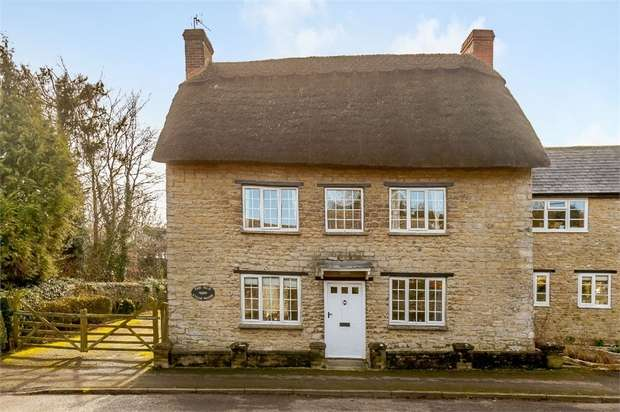 5 Bedrooms Detached House for sale in The Old Stone House, Main Street, Hethe, Bicester, Oxfordshire