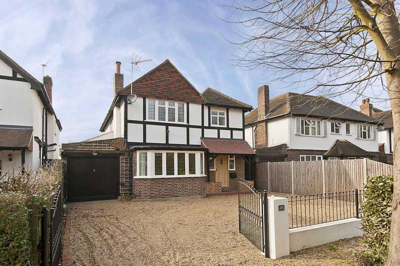 4 Bedrooms Detached House for rent in Midway, Walton On Thames, Surrey