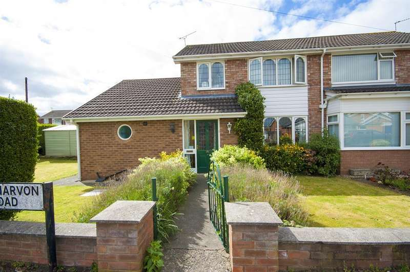 3 Bedrooms Detached House for sale in Caernarvon Road, Wrexham, LL12 7TT