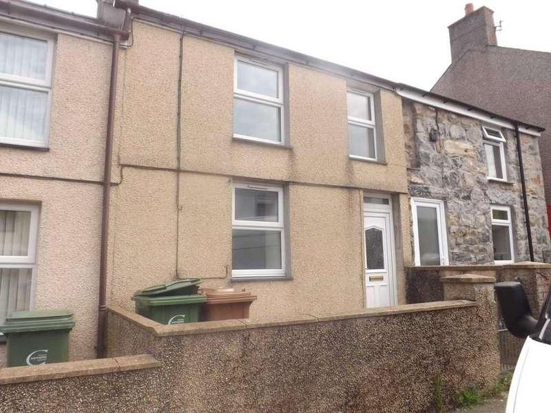 3 Bedrooms Terraced House for sale in Rhedyw Road, Llanllyfni