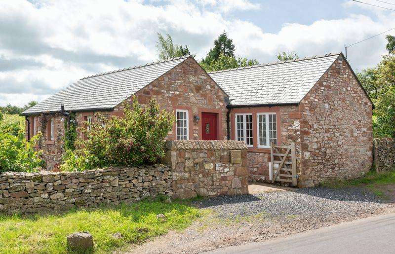2 Bedrooms Detached Bungalow for sale in Carrock Cottage, Newby, Penrith