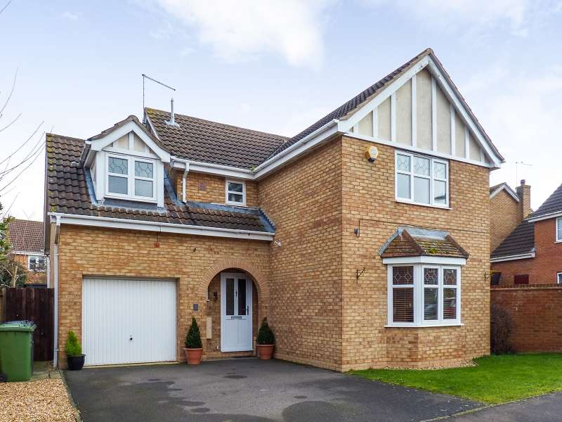 4 Bedrooms Detached House for sale in Morgan Close, Yaxley, Peterborough, PE7 3GE