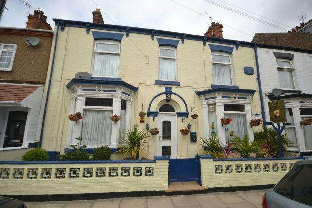 5 Bedrooms Terraced House for sale in Yarra Road, Cleethorpes