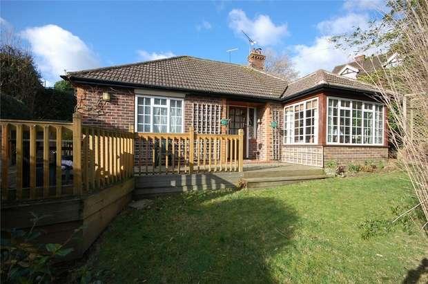 2 Bedrooms Detached Bungalow for sale in Farnham, Surrey