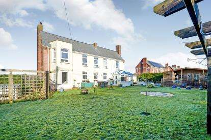 4 Bedrooms Detached House for sale in St. Eval, Wadebridge, Cornwall