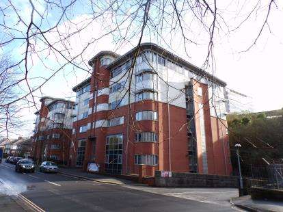1 Bedroom Flat for sale in Central Park Avenue, Plymouth, Devon