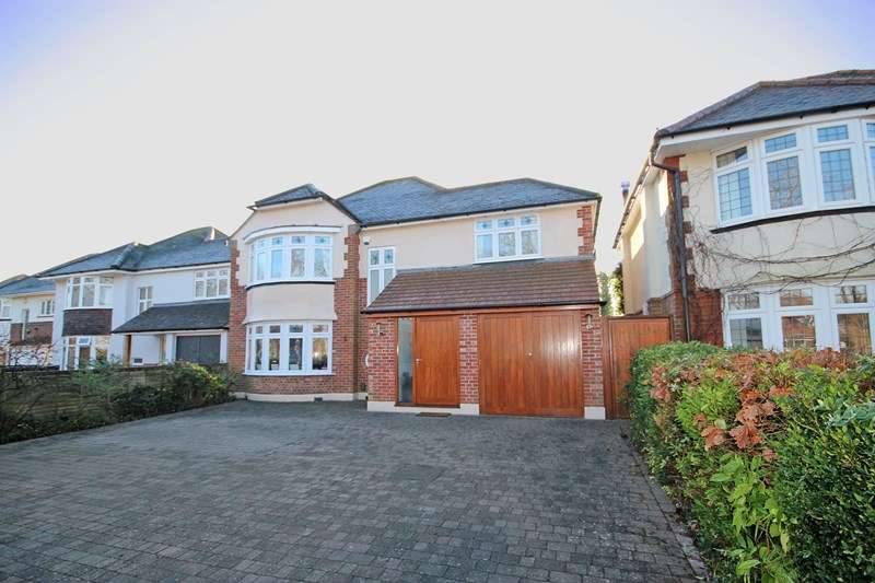 4 Bedrooms Detached House for sale in Carbery Avenue, Southbourne, Bournemouth