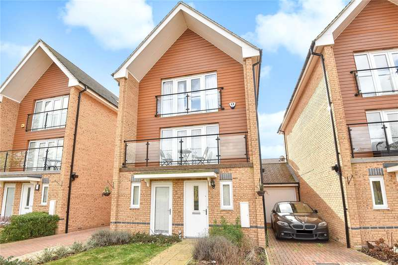 4 Bedrooms Town House for sale in Edgeworth Close, Middle Green, Buckinghamshire, SL3