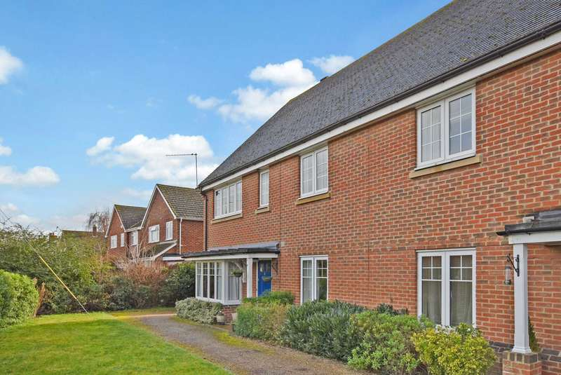 2 Bedrooms Maisonette Flat for sale in Windsor Drive, Wallingford