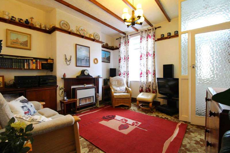 2 Bedrooms Terraced House for sale in Albert Street, Prestwich