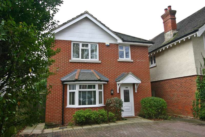 3 Bedrooms House for sale in Portsmouth Road, Southampton, SO19 9AN