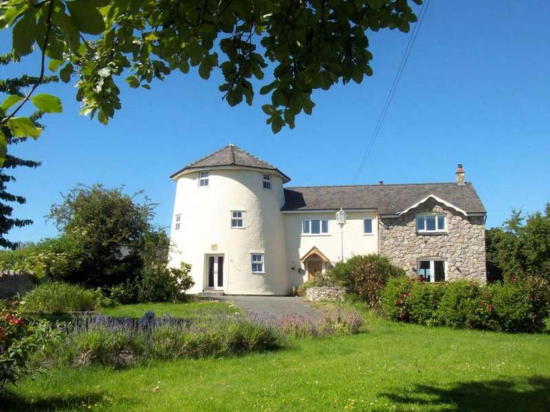 5 Bedrooms Detached House for sale in The Old Windmill, Glanwydden, LL31 9JP