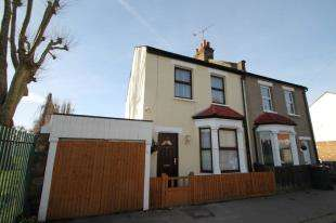 2 Bedrooms House for sale in Henderson Road, Croydon