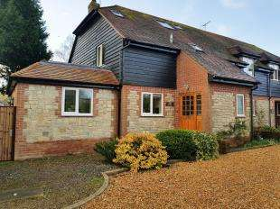 3 Bedrooms End Of Terrace House for sale in Lamberts Yard, Cocking, Midhurst, West Sussex