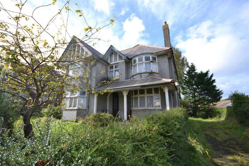 4 Bedrooms Detached House for sale in Aberporth