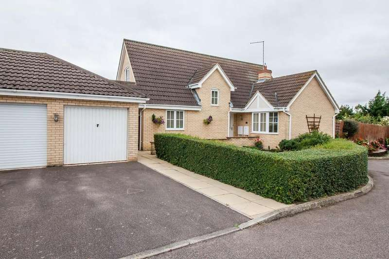 4 Bedrooms Chalet House for sale in Ermine Street North, Papworth Everard, Cambridge