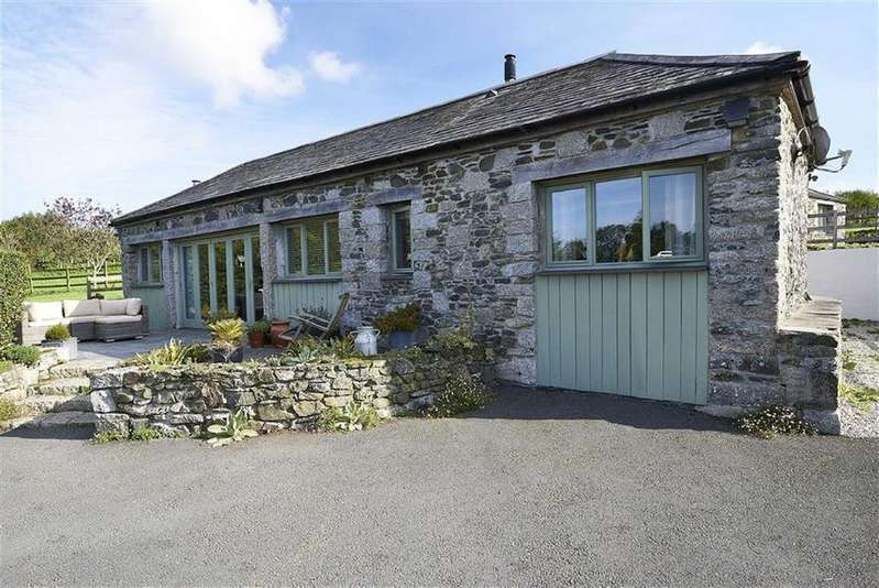 3 Bedrooms Detached House for sale in Trevisquite, St Mabyn, Bodmin, Cornwall, PL30