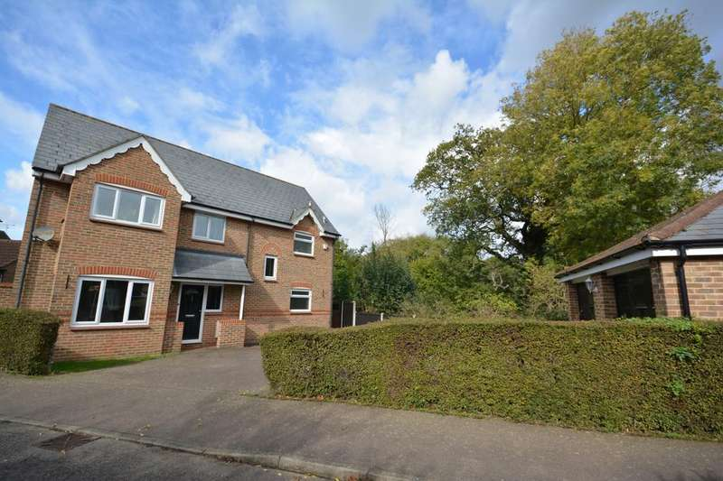 4 Bedrooms Detached House for sale in Guinea Close, Braintree, Essex, CM7
