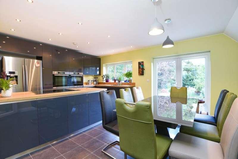 3 Bedrooms Semi Detached House for sale in Trinder Road, Barnet