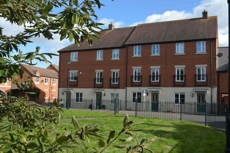3 Bedrooms Property for sale in Chapel Close, Wantage