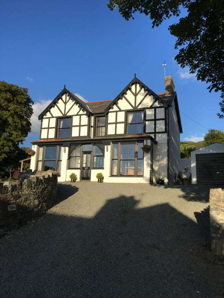 7 Bedrooms Detached House for sale in Fernbrook Road, Penmaenmawr LL34