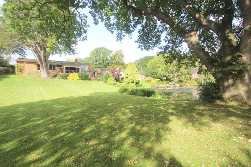 5 Bedrooms Detached House for sale in Fountains Park, Southampton