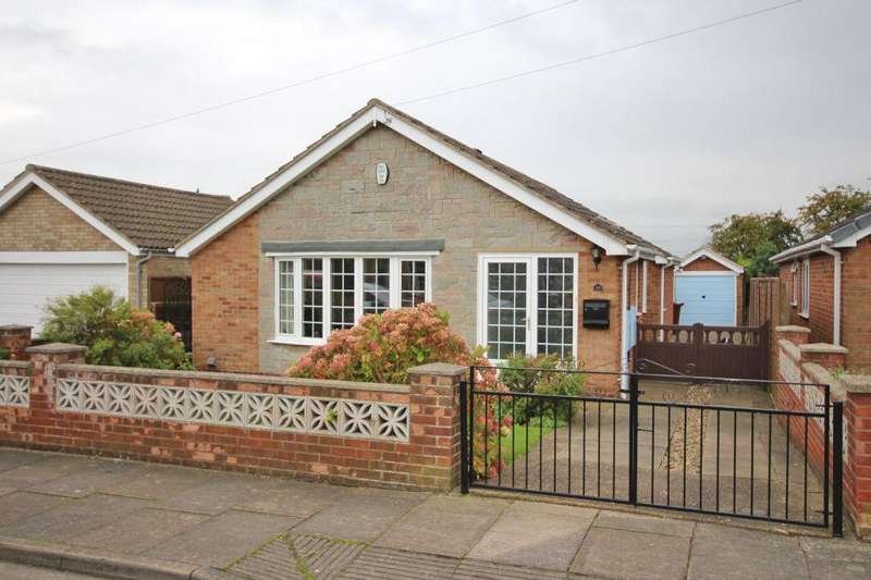 3 Bedrooms Bungalow for sale in TORBAY DRIVE, SCARTHO
