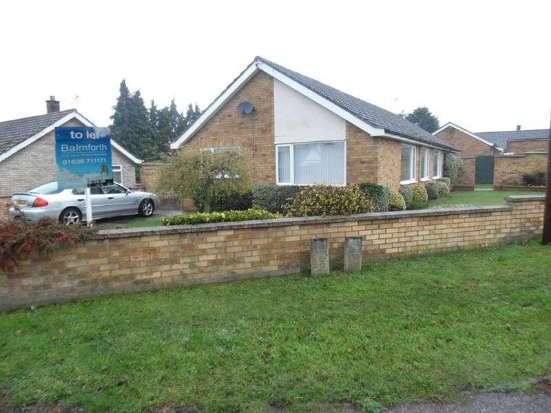 3 Bedrooms Detached Bungalow for rent in Broom Road, Lakenheath, Brandon