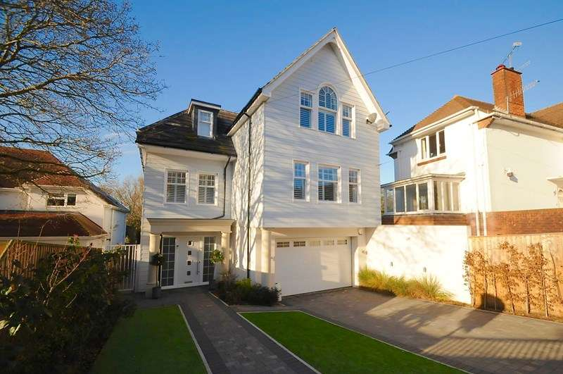 4 Bedrooms Detached House for sale in Harbour View Road, Lower Parkstone, Poole