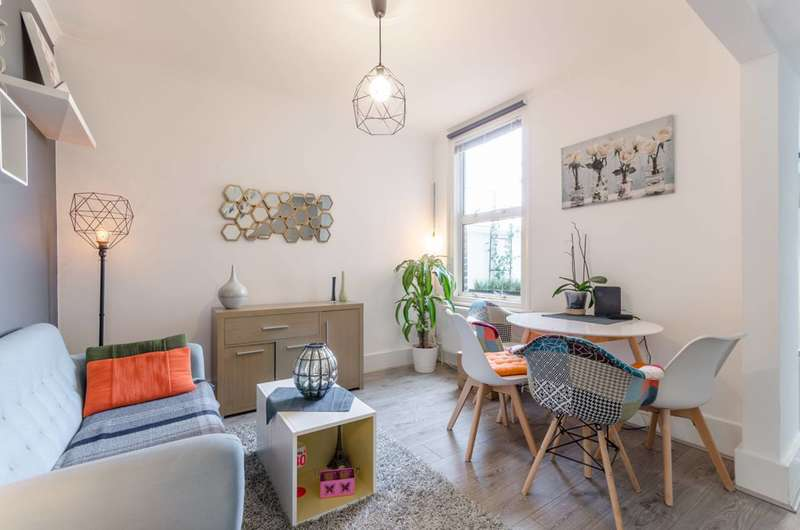 3 Bedrooms House for sale in Rutland Road, Forest Gate, E7