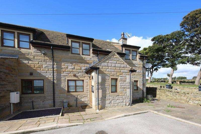 3 Bedrooms Semi Detached House for sale in Holme Bank, Tonge Village