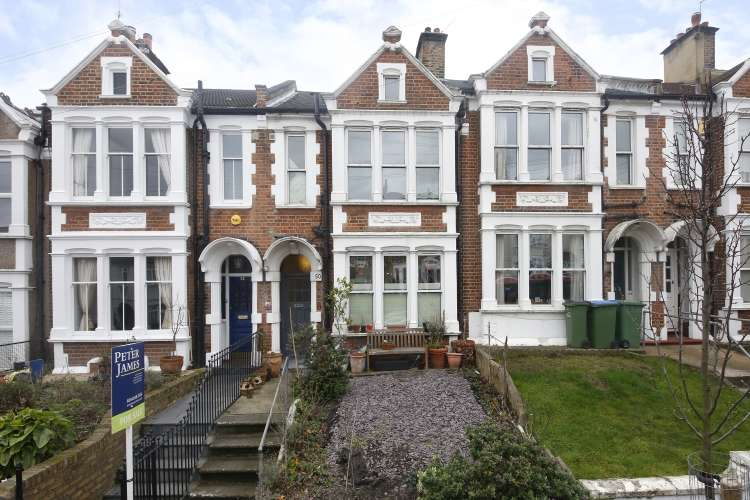 3 Bedrooms Terraced House for sale in Eastcombe Avenue London SE7
