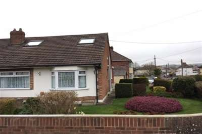 3 Bedrooms Bungalow for rent in Southfield Rd, Shepton BA4