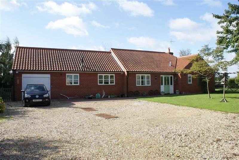 3 Bedrooms Detached Bungalow for sale in Shop Street, Worlingworth, Suffolk