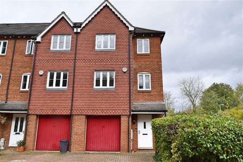 4 Bedrooms Town House for sale in The Sidings, Dunton Green, TN13