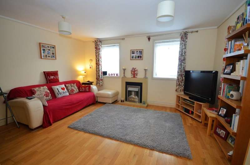 2 Bedrooms Apartment Flat for sale in Wheal Leisure Court, Perranporth