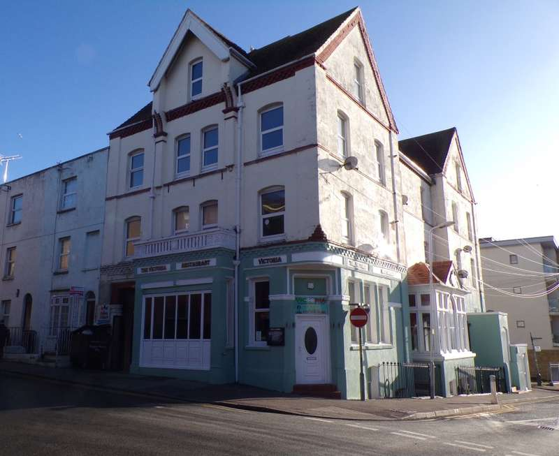 3 Bedrooms Apartment Flat for sale in Flat 3, Hardres Street, Ramsgate, Kent, CT11 8QD