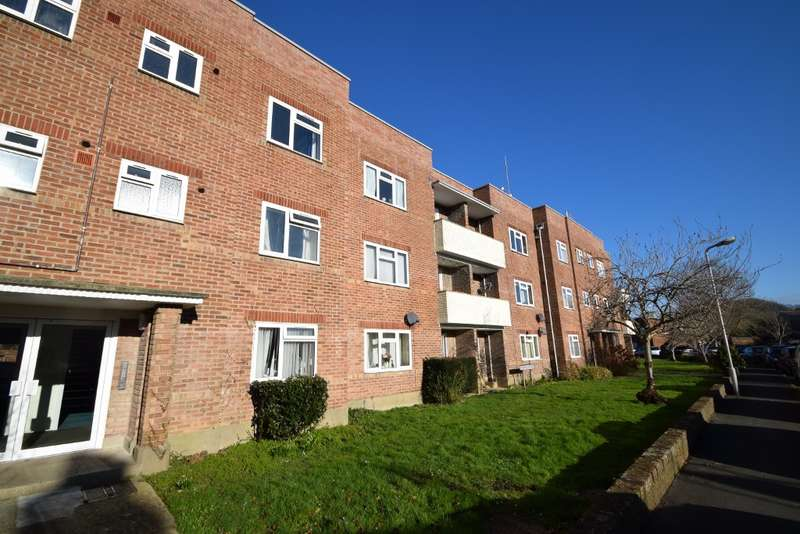 3 Bedrooms Flat for sale in Bridport