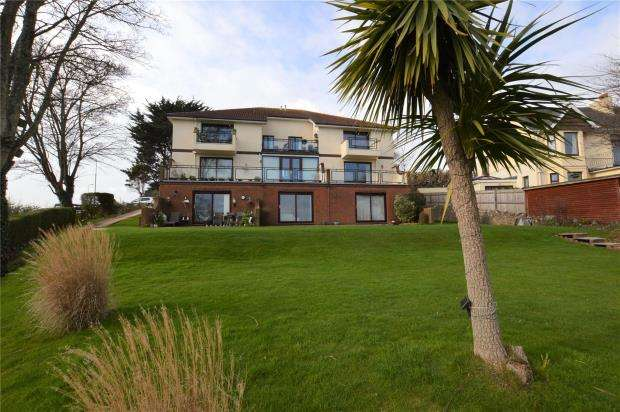 2 Bedrooms Flat for sale in Wilverley, Wheatridge Lane, Livermead, Torquay Devon
